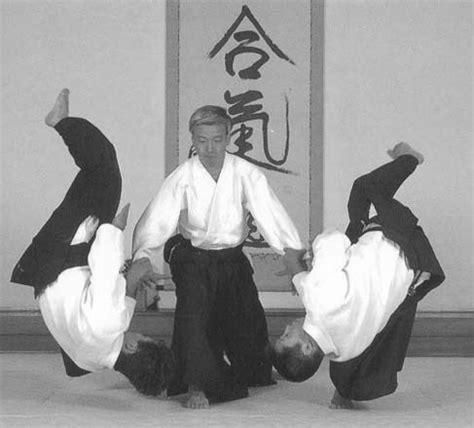 Morehei Ueshibo demonstrating Aikido.