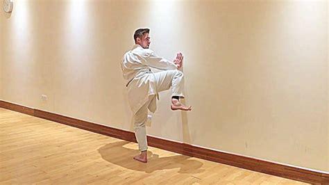 karate round kick chamber exercise